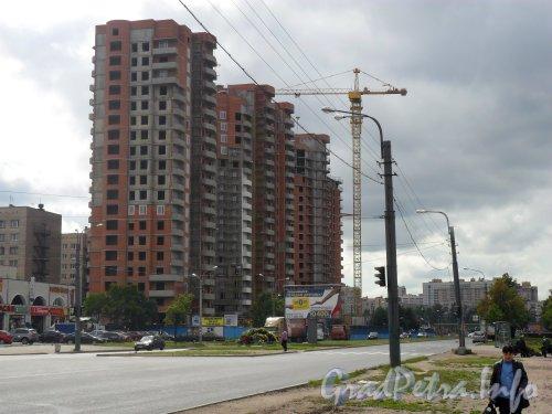 Ул. Димитрова, д. 3, корп. 1. Строительство жилого дома. Фото август 2011 года.