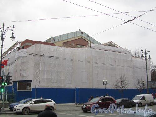Потемкинская ул, дом 4. Реконструкция здания киноцентра «Ленинград». Фото 22 ноября 2012 г.