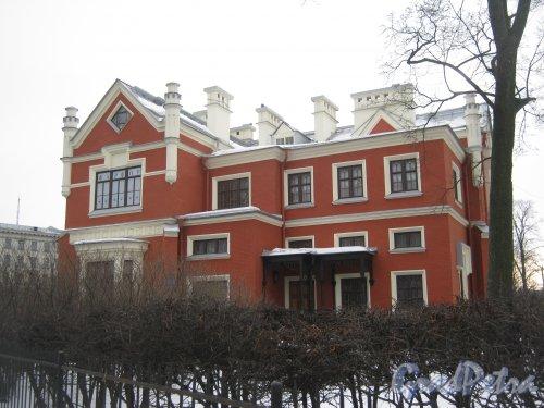 Ул. Академика Крылова, дом 4, литера А. Общий вид здания. Фото 26 февраля 2013 г.