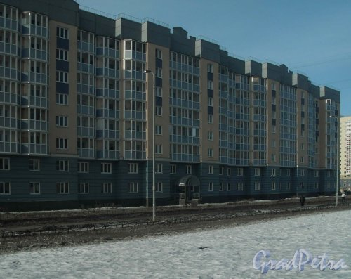 Улица Маршала Захарова, дом 18, корпус 1. Фасад со стороны улицы. Фото 3 марта 2013 г.