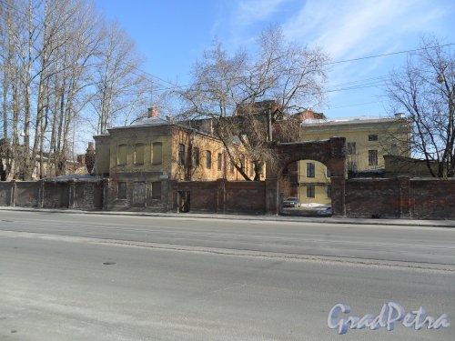 Улица Калинина, дом 8, корпус 1. Старая арка. Фото 19 марта 2013 г.