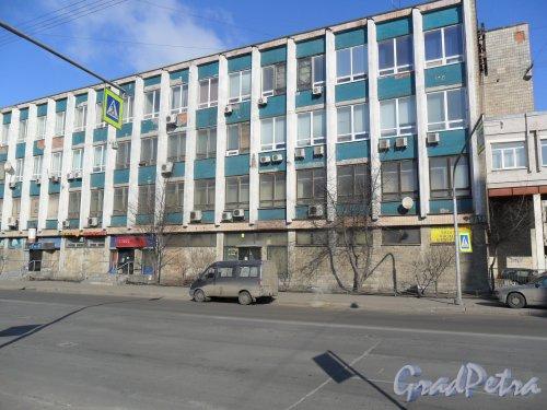Улица Двинская, дом 3.Фасад здания. Фото 21 марта 2013 г.