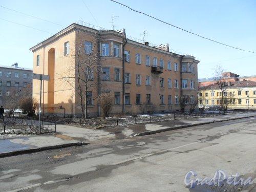 Улица Косинова, дом 5. Фото апрель 2013 г.