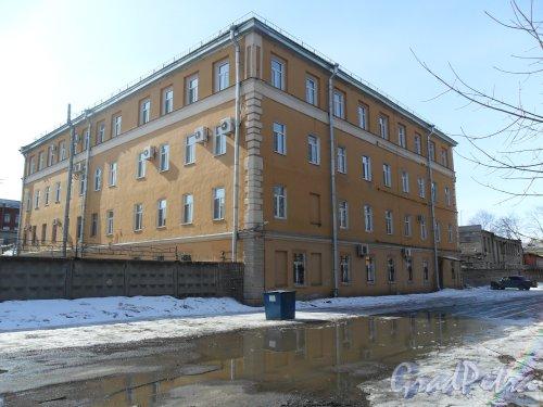 Улица Калинина, дом 2, корпус 4. Фото апрель 2013 г.