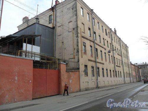 Улица Новоовсянниковская, дом 3. Фото апрель 2013 г.