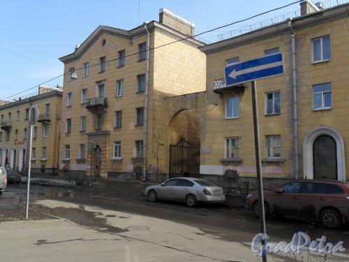 Улица Зои Космодемьянской, дом 12. Фото апрель 2013 г.