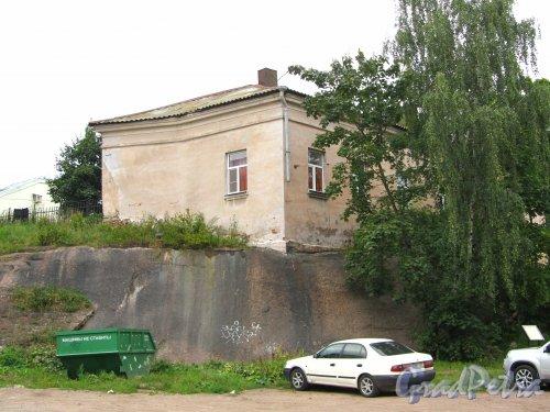 Г. Выборг, ул. Водной Заставы, дом 5. Вид здания со стороны Прогонной улицы. Фото 19 августа 2012 г.