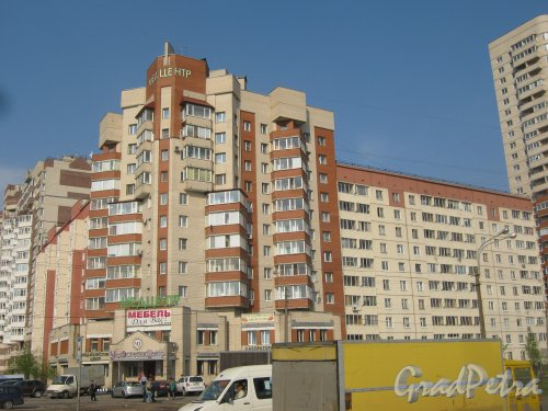 Караваевская ул., дом 26, корпус 1. Общий вид с Караваевской ул.. Фото 13 мая 2013 г.