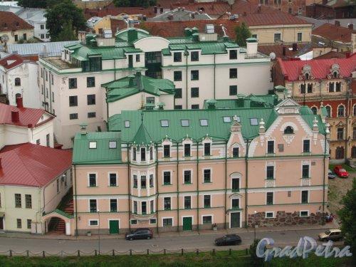 Г. Выборг, ул. Северный Вал, дом 3. Фасад здания со стороны улицы Северный Вал. Фото 19 августа 2012 г.