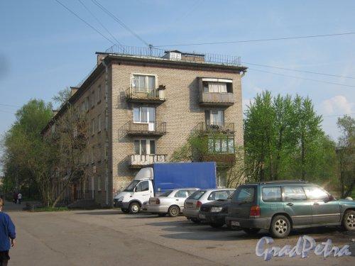 Караваевская ул., дом 25, корпус 1. Общий вид со стороны Скачкова пер. Фото 13 мая 2013 г.
