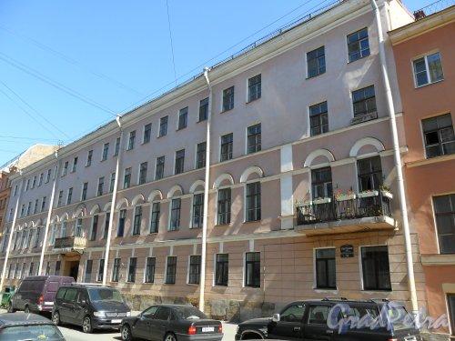 Улица Средняя Подьяческая, дом 16. Фото 16 мая 2013 г.