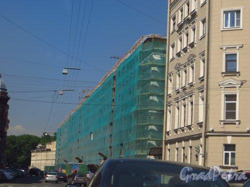 Ул. Чайковского, дом 2, лит. А. Ремонт фасада здания. Фото 4 июня 2013 г.
