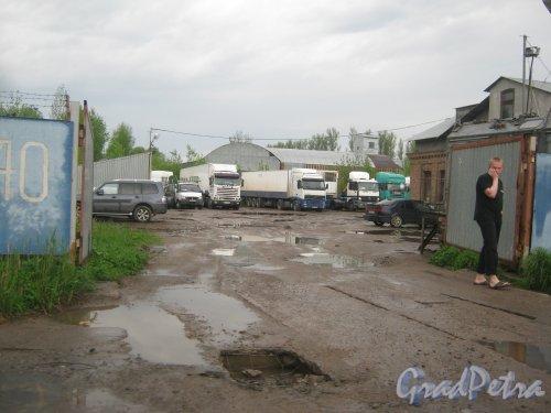 Лесопарковая ул., дом 40. Общий вид на территорию с Лесопарковой ул. Фото 17 мая 2013 г.