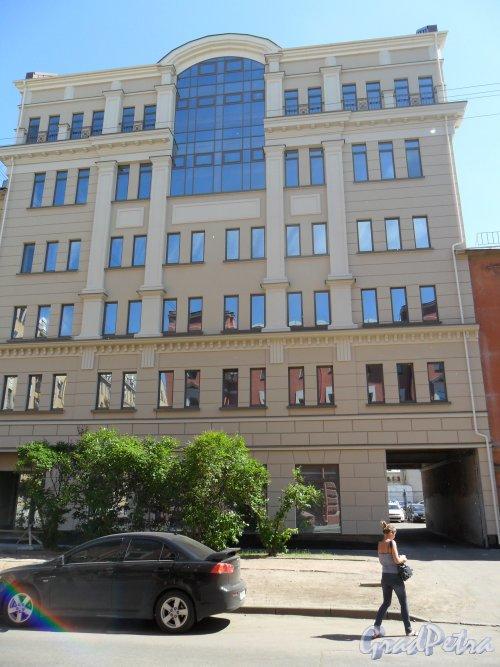 Улица Дровяная, д. 6-8. Дом после реконструкции немного вырос. Фото 21 июня 2013 г.