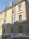 Ул. Радищева, дом 33. Общий вид здания с Баскова пер. Фото 4 августа 2013 г.
