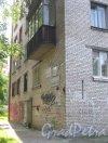 Ул. Пограничника Гарькавого, дом 39. Фрагмент здания. Фото 5 августа 2013 г.