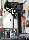 ул. Марата, д. 23. Дом Тухолки. Бар-клуб 99 Pounds. Оформление входа. Фото июль 2012 г.