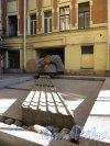 Жуковского ул., д. 31. Доходный дом. Фонтан в 1-м дворе. Фото май 2011 г.
