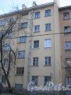 Оборонная ул., дом 4. Фрагмент здания со стороны фасада. Вид с нечётной стороны улицы. Фото 26 февраля 2014 г.