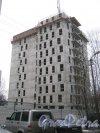 2-Комсомольская ул., участок 7. Одно из зданий строящегося ЖК «САНДЭЙ». Фото 12 января 2014 г.