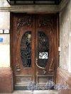 Бол. Конюшенная ул., д. 9. Особняк В. А. Слепцова. Входные двери. Фото июль 2011 г.