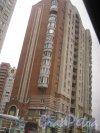 Ул. Ленсовета, дом 88. Общий вид здания из окна проезжающего по Звёздной ул. автобуса. Фото 1 марта 2014 г.