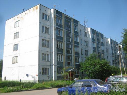 Лен. обл., Гатчинский р-н, деревня Мины, Школьная ул., дом 11. Общий вид здания. Фото 5 июля 2013 г.