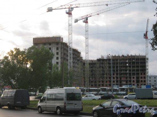 Ул. Костюшко, дом 15, корпус 3, литера А. Общий вид с чётной стороны улицы. Фото 17 августа 2013 г.