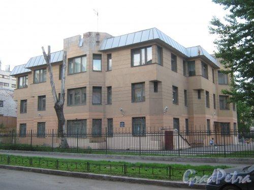 11-Красноармейская ул., дом 9, литера А. Общий вид с чётной стороны улицы. Фото 30 мая 2013 г.