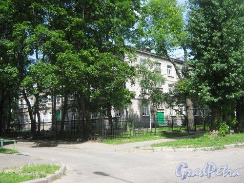 Лен. обл., Гатчинский р-н, г. Гатчина, ул. Киргетова, дом 28. Фрагмент здания. Фото 13 июля 2013 г.