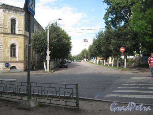 Лен. обл., Гатчинский р-н, г. Гатчина, ул. Красная.
