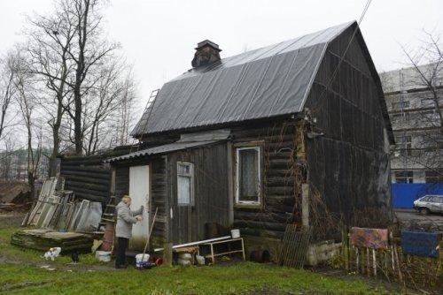 1-я Жерновская ул., дом 15. Общий вид деревянного дома. Фото ноябрь 2013 года.