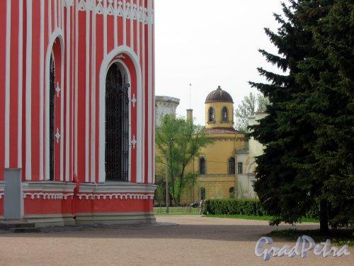Гастелло ул., д. 15 Чесменский дворец от Чесменской церкви. Фото май 2013 г.