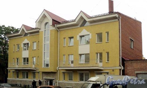 Ул. Комиссара Смирнова, д. 4, корп. 2. Общий вид. Фото май 2010 года.