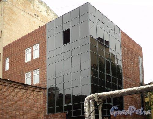 Ул. Комиссара Смирнова, д. 4, корп. 3. Вид на строящееся здание. Фото май 2010 года.