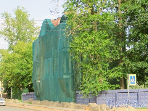 Эсперова улица, дом 16/23. Общий вид расселенного здания. Фото 20 августа 2013 г.