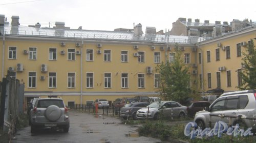 Рузовская ул., дом 16, литера А. Вид с ул. Введенского канала. Фото 12 сентября 2013 г.