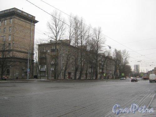 Кронштадтская ул., дом 6. Общий вид с автобусного кольца. Фото 4 января 2014 г.