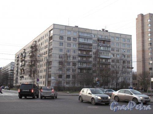 ул. Брянцева, 18. 9-ти этажный блочный жилой дом, 1970-е. Общий вид. Фото декабрь 2013 г.