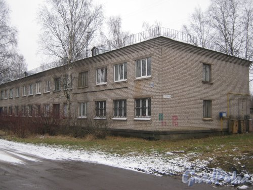 Красное Село (Горелово), ул. Заречная, дом 10. Общий вид со стороны фасада. Фото 4 января 2014 г.