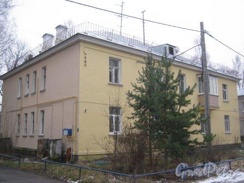 Красное Село (Горелово), ул. Заречная, дом 2. Общий вид со стороны дома 4. Фото 4 января 2014 г.