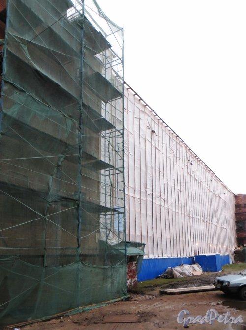 Кантемировская улица, дом 3, корпус 1, литера А. Реставрационные работы со стороны Кантемировской улицы. Фото 9 января 2014 г.