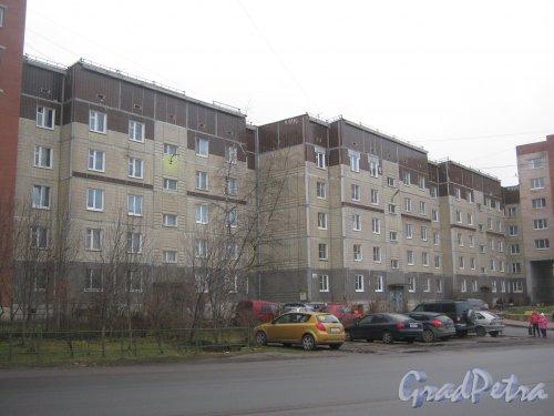 Лен. обл., Гатчинский р-н, г. Гатчина, ул. Генерала Кныша, дом 12. Общий вид здания. Фото 24 ноября 2013 г.