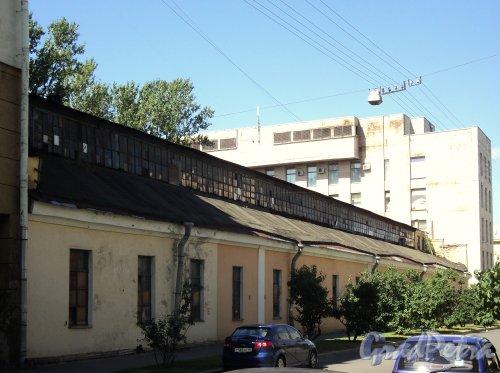 Шпалерная ул., д. 51, лит. Б. Производственный корпус. Вид со Ставропольской улицы. Фото август 2010 г.