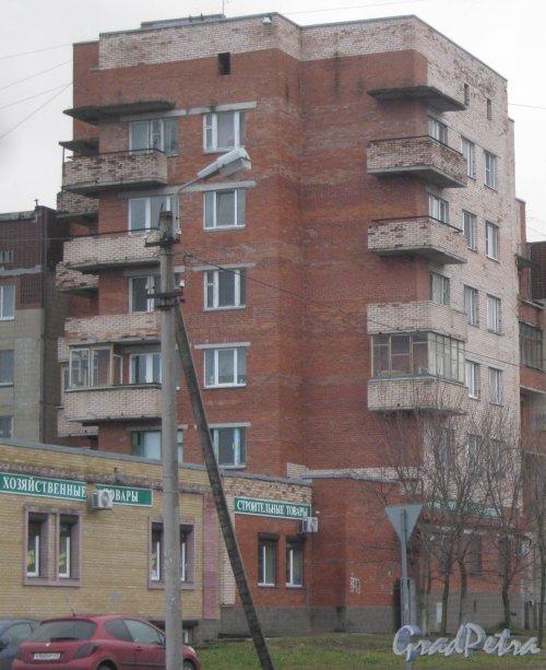Лен. обл., Гатчинский р-н, г. Гатчина, ул. Генерала Кныша, дом 9. Общий вид здания. Фото 24 ноября 2013 г.