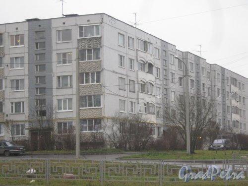 Лен. обл., Гатчинский р-н, г. Гатчина, ул. Новосёлов, дом 11. Фрагмент здания. Фото 24 ноября 2013 г.