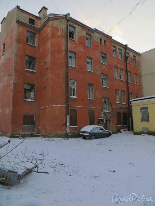 Ул. Мира, дом 36. Вид лицевого дома со стороны двора. Фото 24 января 2014 г.