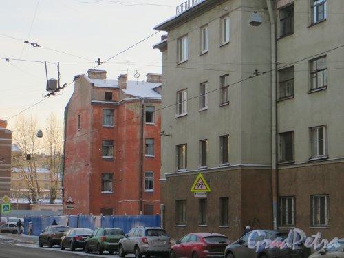 ул. Мира, дом 36. Вид на лакуну со стороны Большой Монетной улицы. Фото 24 января 2014 года.