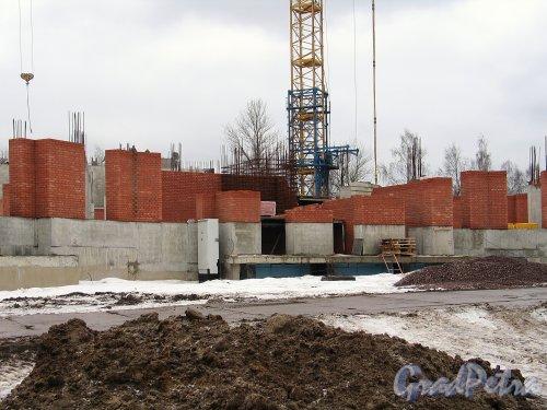 Строительство ЖК «Лиственный». Вид со стороны Северного проспекта. Фото февраль 2014 г.