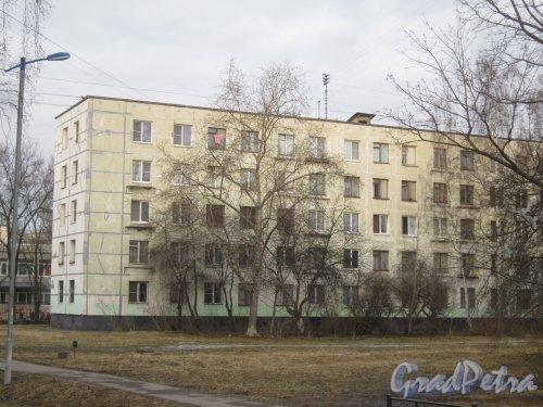 Ул. Зины Портновой, дом 44. Вид со стороны дома 56. Фото 24 февраля 2014 г.